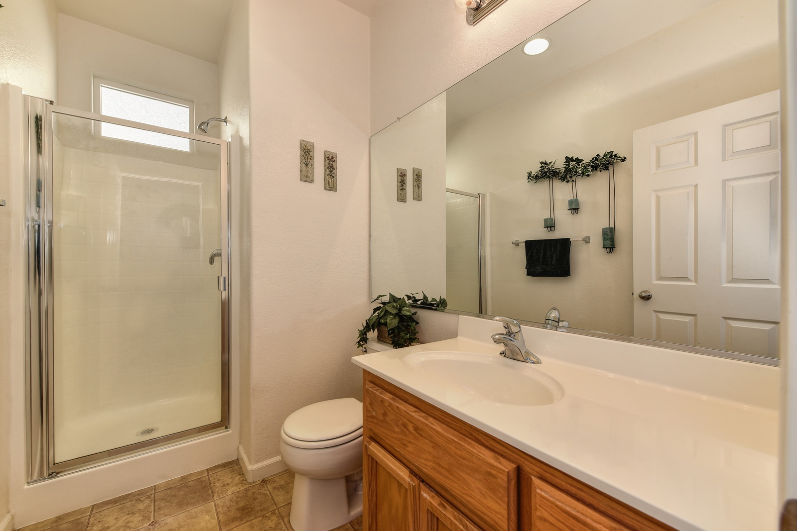 4 3151 Staysail Street First floor full bath